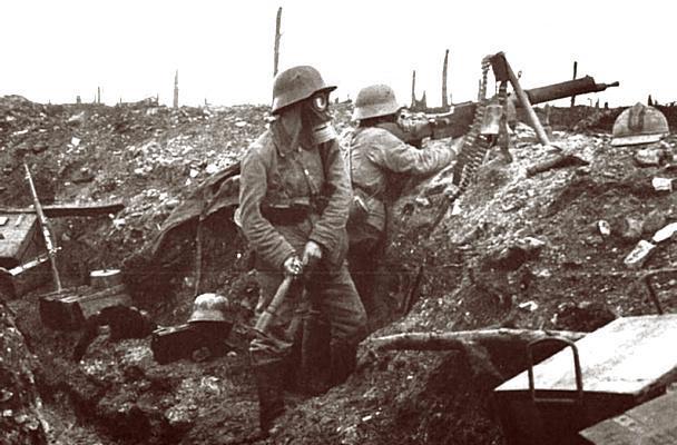 http://www.wereldoorlog1418.nl/notendop/Duitse%20mitrailleurgroep%20voor%20Verdun.jpg